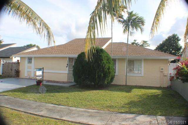 12218 SW 205th Ter, Miami, FL 33177 (MLS #A10989320) :: Berkshire Hathaway HomeServices EWM Realty