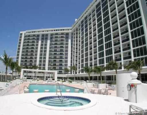 10275 Collins Av #534, Bal Harbour, FL 33154 (MLS #A10990307) :: Compass FL LLC