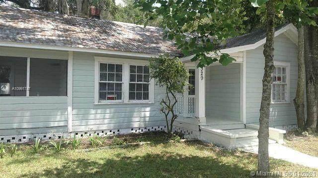 1329 NW 6 ST, Gainesville, FL 32601 (MLS #A10991747) :: Berkshire Hathaway HomeServices EWM Realty