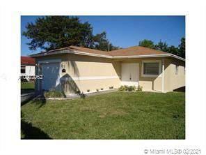 2229 Charleston St, Hollywood, FL 33020 (MLS #A10992962) :: Prestige Realty Group