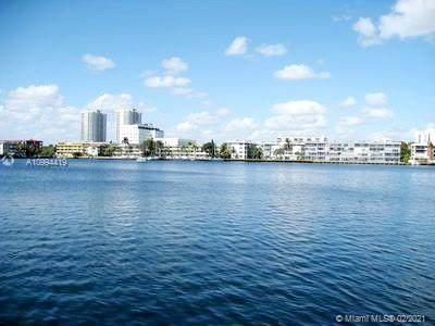 427 Golden Isles Dr 11I, Hallandale Beach, FL 33009 (MLS #A10994419) :: Search Broward Real Estate Team
