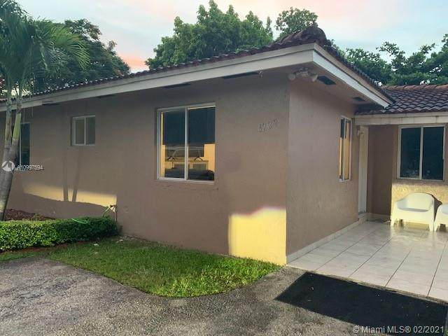 4229 SW 9th Ter, Miami, FL 33134 (MLS #A10997594) :: The Riley Smith Group