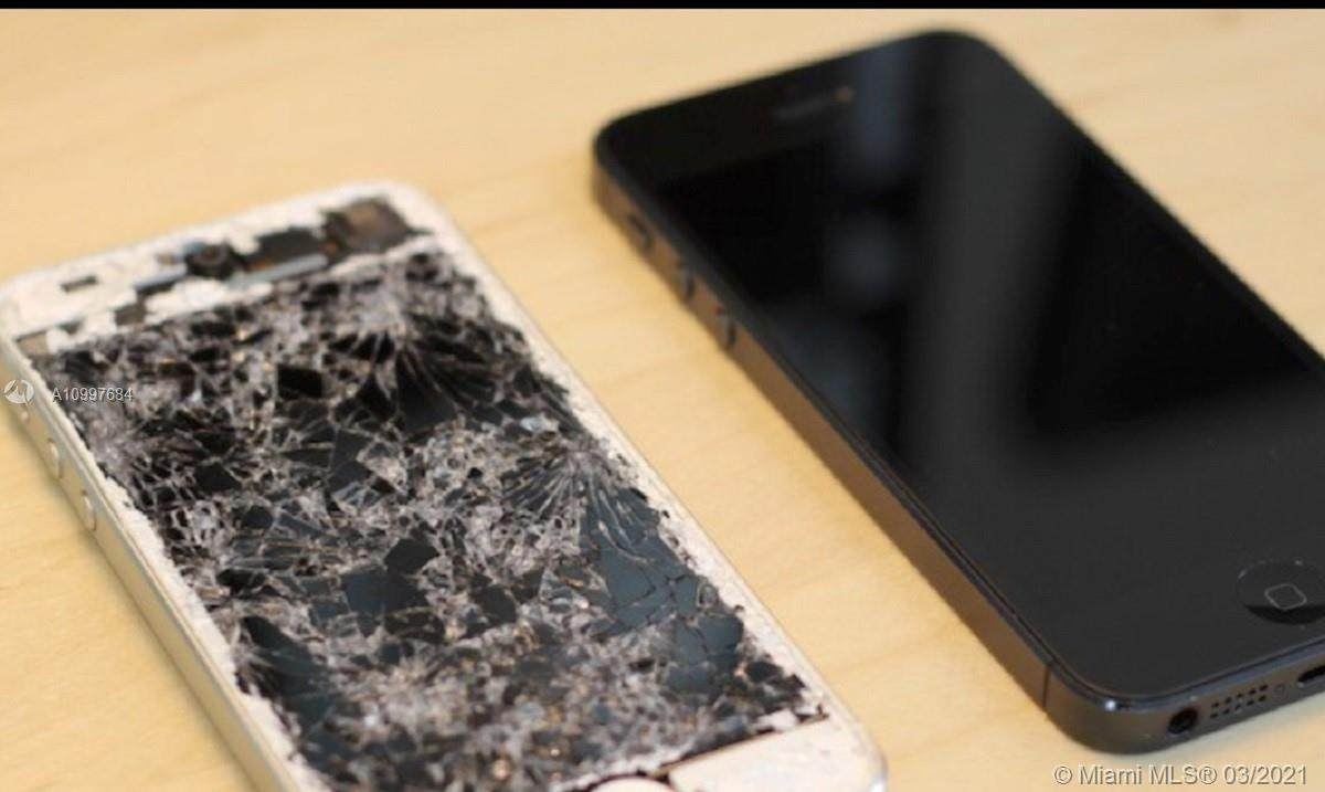 Cell Phone Repair Franchise Inside Walmart - Photo 1