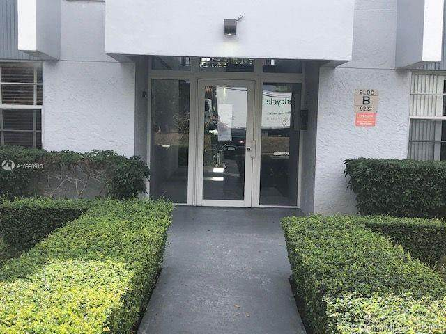 9227 SW 87th Ave B6, Miami, FL 33176 (MLS #A10998913) :: The Teri Arbogast Team at Keller Williams Partners SW