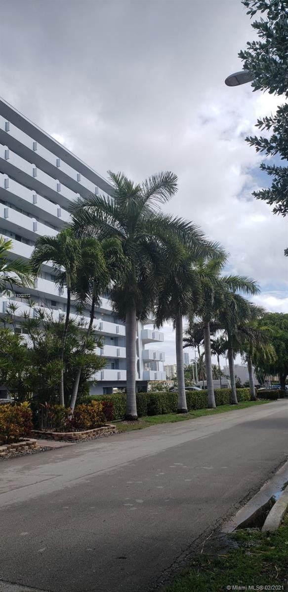 3703 NE 166th St #608, North Miami Beach, FL 33160 (MLS #A11002772) :: KBiscayne Realty