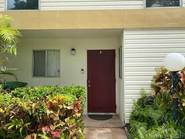 3320 Simms St 11F, Hollywood, FL 33021 (MLS #A11002997) :: Green Realty Properties