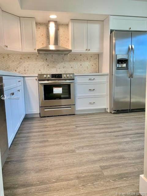 13100 SW 11th Ct 106C, Pembroke Pines, FL 33027 (MLS #A11004882) :: Green Realty Properties