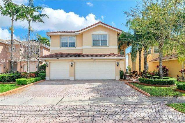 4157 SW 183rd Ave, Miramar, FL 33029 (MLS #A11004921) :: The Riley Smith Group