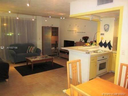 880 NE 69th St 1E, Miami, FL 33138 (MLS #A11007186) :: Berkshire Hathaway HomeServices EWM Realty