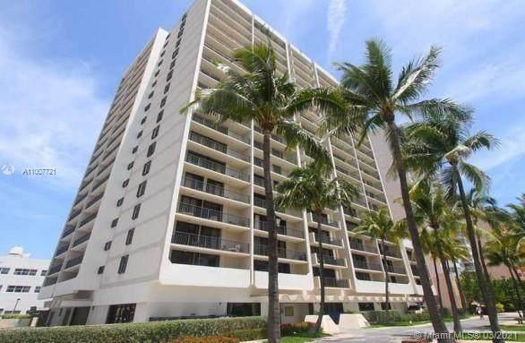 2625 Collins Ave #1106, Miami Beach, FL 33140 (MLS #A11007721) :: Jo-Ann Forster Team
