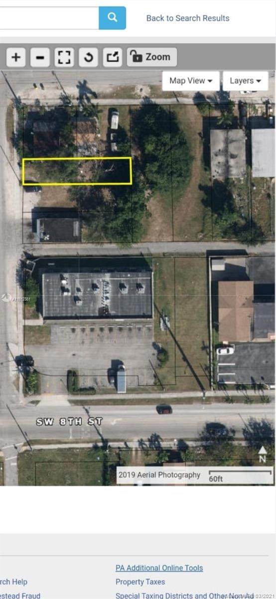 711 SW 8th Ave, Homestead, FL 33030 (MLS #A11012381) :: The Teri Arbogast Team at Keller Williams Partners SW