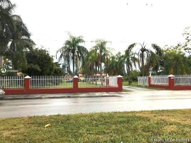 8550 Miller Dr, Miami, FL 33155 (MLS #A11013669) :: Prestige Realty Group