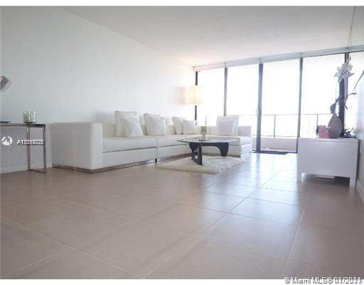 555 NE 15th St 14H, Miami, FL 33132 (MLS #A11014075) :: The Howland Group