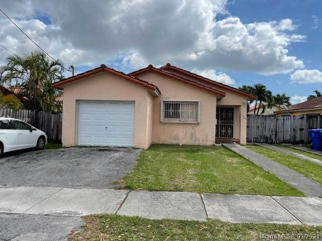 1661 NW 29th Ct, Miami, FL 33125 (MLS #A11014081) :: The Riley Smith Group