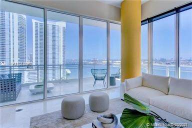 900 Brickell Key Blvd #1503, Miami, FL 33131 (MLS #A11014540) :: Castelli Real Estate Services