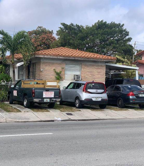1236 SW 22nd Ave, Miami, FL 33135 (MLS #A11014932) :: The Riley Smith Group