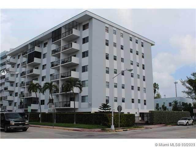 1000 Michigan Ave #507, Miami Beach, FL 33139 (MLS #A11016361) :: Team Citron