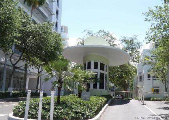 201 Aqua Ave Ph4, Miami Beach, FL 33141 (MLS #A11017133) :: The Rose Harris Group