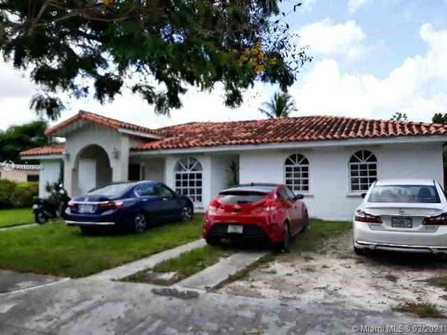 11250 SW 56th St, Miami, FL 33165 (MLS #A11019799) :: The Paiz Group