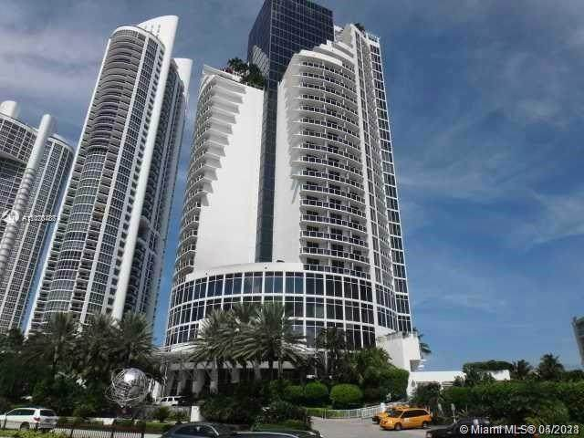 18001 Collins Ave #1817, Sunny Isles Beach, FL 33160 (MLS #A11020487) :: The Howland Group