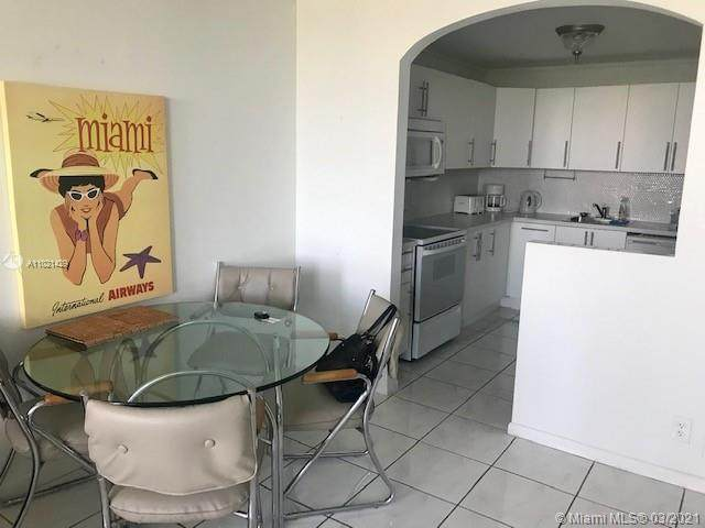 2025 NE 164th St #518, North Miami Beach, FL 33162 (MLS #A11021429) :: The Howland Group