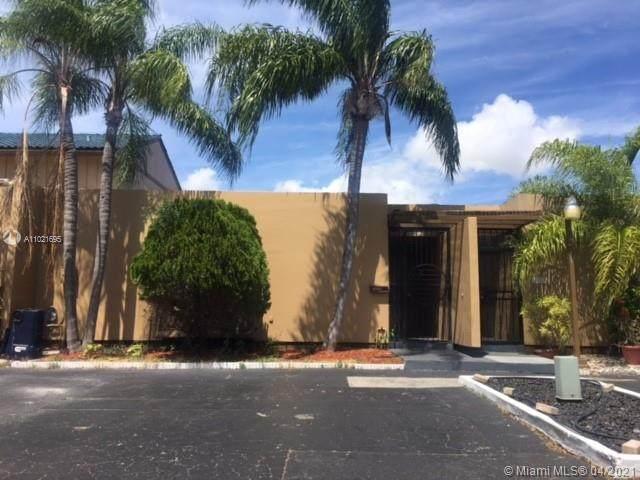16022 Kilmarnock Dr #16022, Miami Lakes, FL 33014 (MLS #A11021695) :: The Howland Group