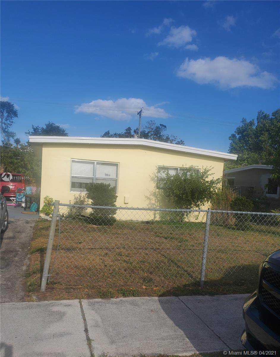 550 30th Ave - Photo 1