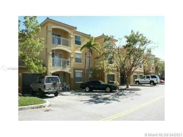 165 NW 96 TERR 3-307, Pembroke Pines, FL 33024 (MLS #A11024041) :: The Rose Harris Group