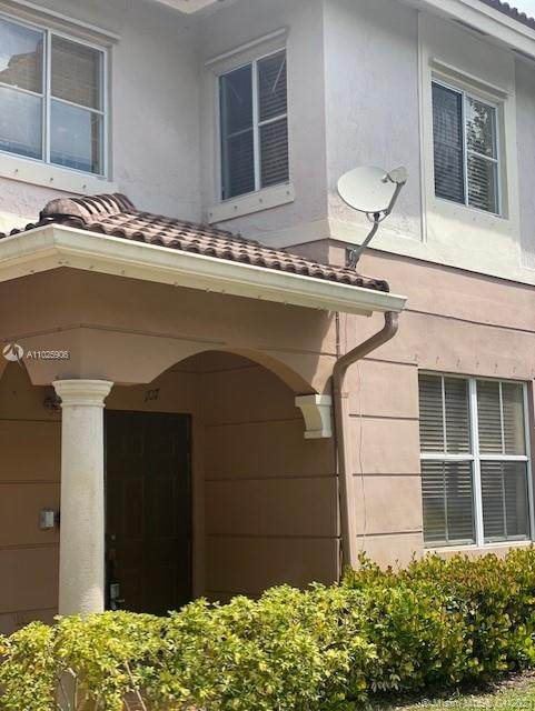 8858 W Flagler St #107, Miami, FL 33174 (MLS #A11025906) :: The Riley Smith Group