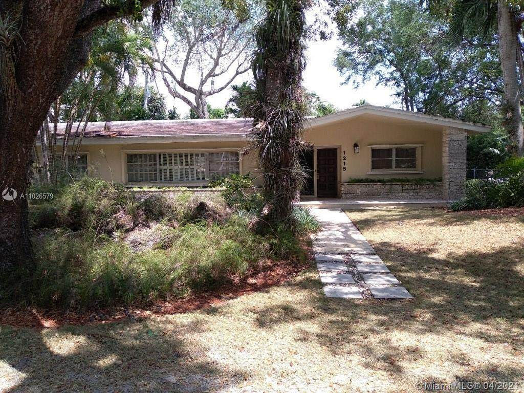 1215 Alfonso Ave - Photo 1