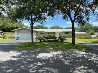 232 SW 60th Ave, Plantation, FL 33317 (MLS #A11026866) :: Green Realty Properties