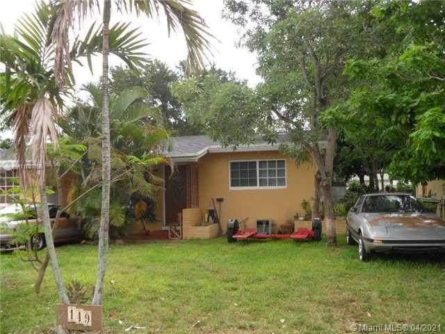 149 SW 67 Ter, Pembroke Pines, FL 33023 (MLS #A11027196) :: Patty Accorto Team