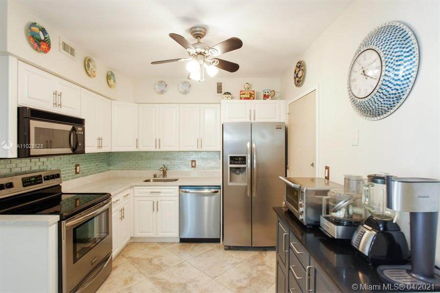 5700 Collins Ave - Photo 1