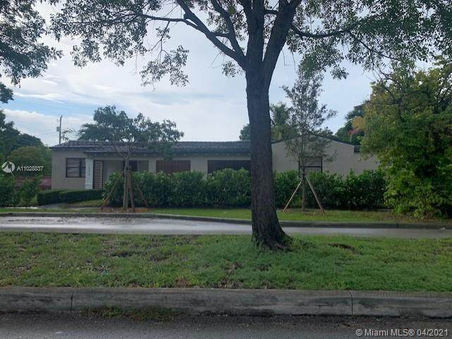 1898 SW 4th Ave, Miami, FL 33129 (MLS #A11028837) :: The Teri Arbogast Team at Keller Williams Partners SW