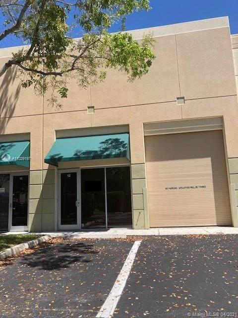 Weston, FL 33327 :: United Realty Group