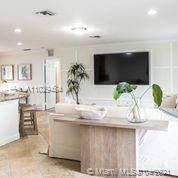 2731 NE 5 St, Pompano Beach, FL 33062 (MLS #A11029454) :: Carole Smith Real Estate Team