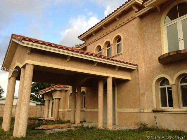 1131 NE 184th St, Miami, FL 33179 (MLS #A11029502) :: The Rose Harris Group