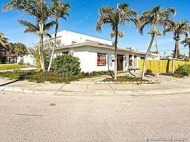 1441 S Treasure Dr, North Bay Village, FL 33141 (MLS #A11030062) :: Carlos + Ellen