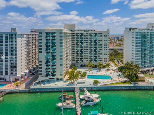 1200 West Ave #1011, Miami Beach, FL 33139 (MLS #A11030197) :: Carole Smith Real Estate Team