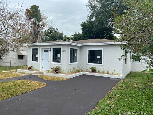 2543 Roosevelt St, Hollywood, FL 33020 (MLS #A11030598) :: Re/Max PowerPro Realty