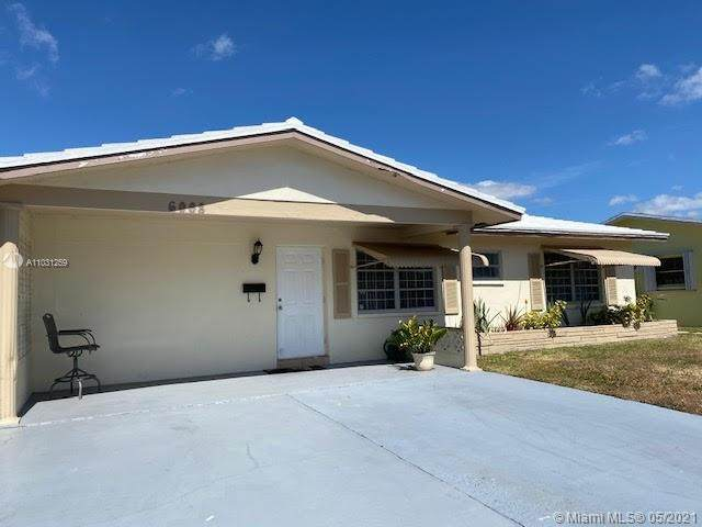 6008 NW 69th Ave, Tamarac, FL 33321 (MLS #A11031259) :: The Riley Smith Group