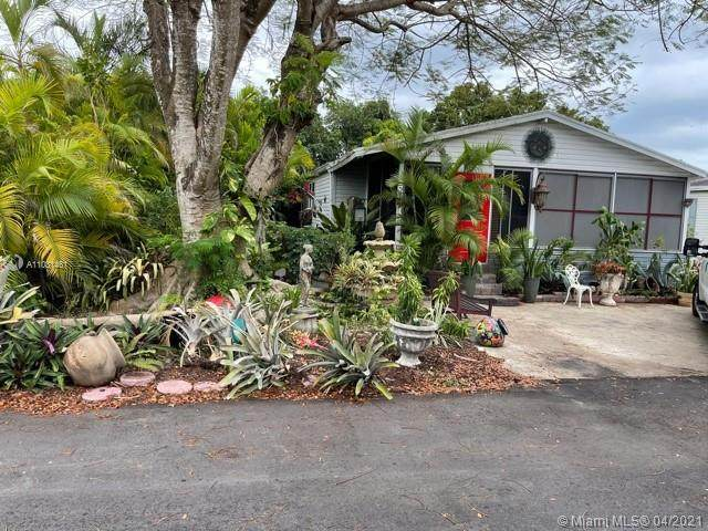 19800 SW 180th Ave Unit 2, Miami, FL 33187 (MLS #A11031461) :: The Teri Arbogast Team at Keller Williams Partners SW
