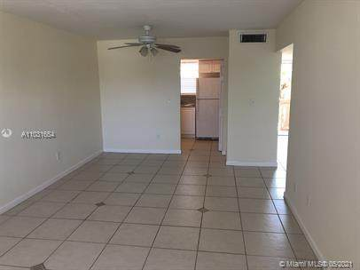 Miami, FL 33161 :: The Howland Group