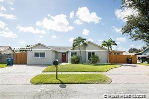 14232 SW 155th St, Miami, FL 33177 (MLS #A11032830) :: The Rose Harris Group