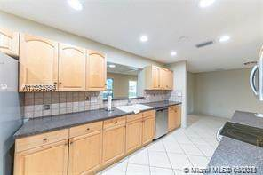 826 Argonaut Isles, Dania Beach, FL 33004 (MLS #A11033786) :: The Rose Harris Group