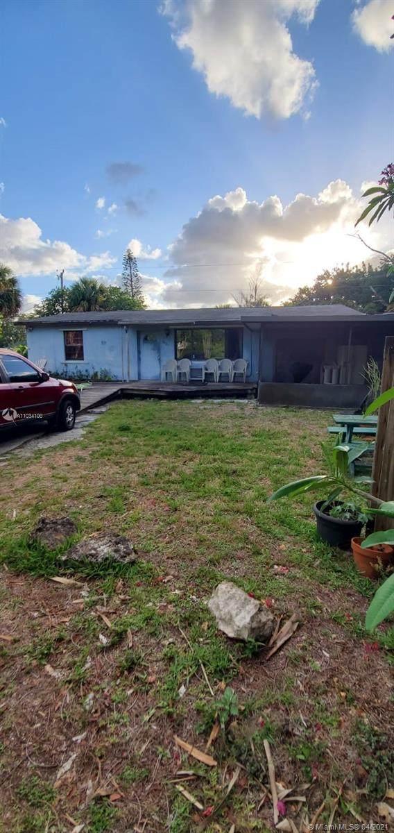 9429 Silverthorne Dr, Lake Park, FL 33403 (#A11034100) :: Posh Properties