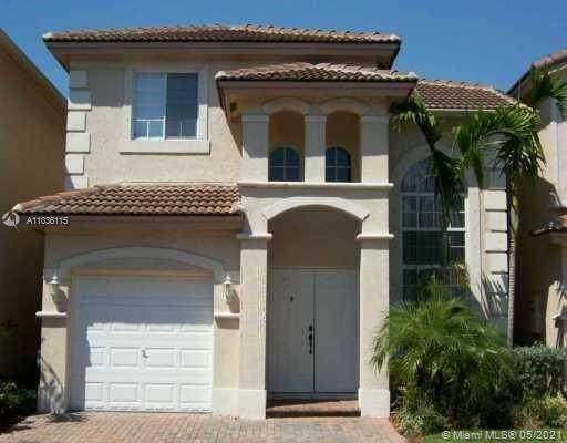 6720 NW 109th Ct, Doral, FL 33178 (MLS #A11036115) :: The Riley Smith Group