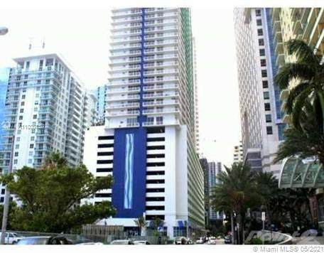 1200 Brickell Bay Dr #2007, Miami, FL 33131 (MLS #A11036159) :: Compass FL LLC