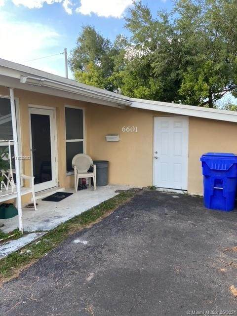 6601 Cleveland St, Hollywood, FL 33024 (MLS #A11038653) :: The Riley Smith Group