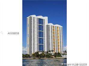 1330 West Ave #1004, Miami Beach, FL 33139 (MLS #A11038786) :: Search Broward Real Estate Team